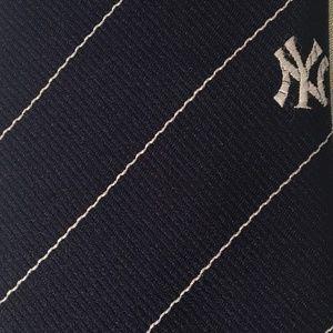Yankees Ties Officially Licensed Mens New York Yankees Necktie NWT 100/% Silk